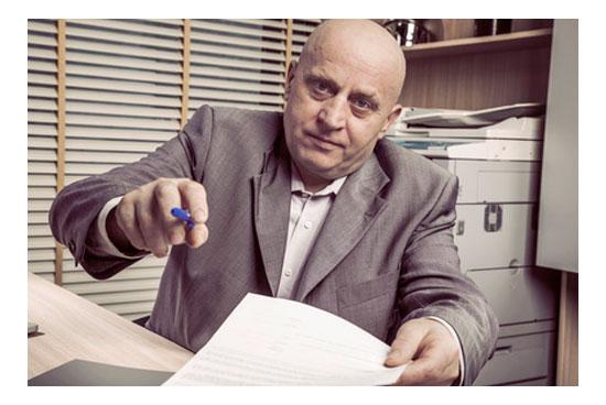 Fraude de falsos contratos de trabajo para obtener prestaciones