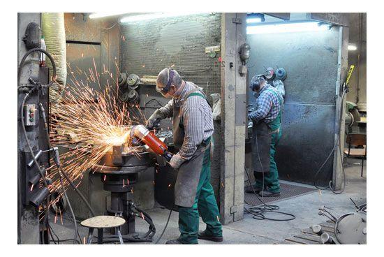 Trabajadores en taller