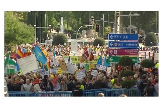 Pensionistas frente al Congreso de los Diputados
