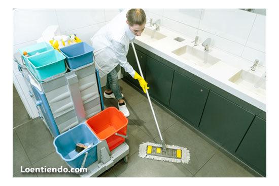 Limpiadora en hospital