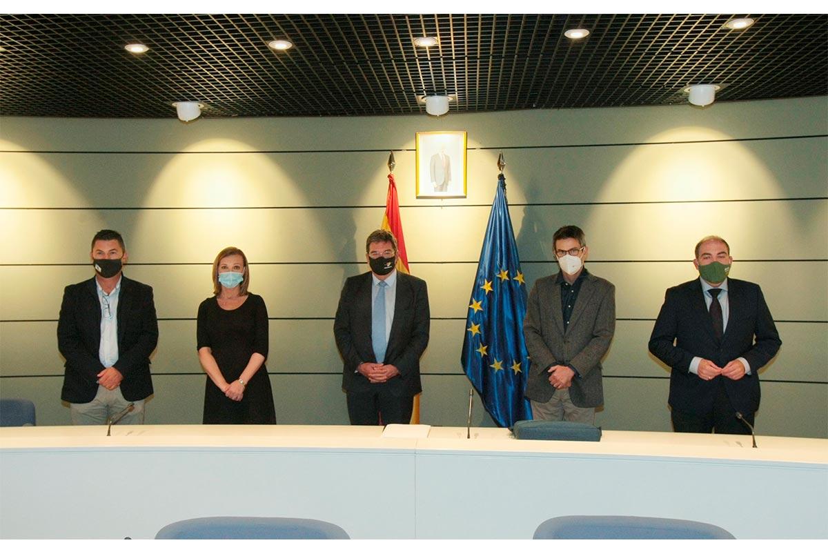 Reunión ministro de Seguridad Social con representantes de los autónomos