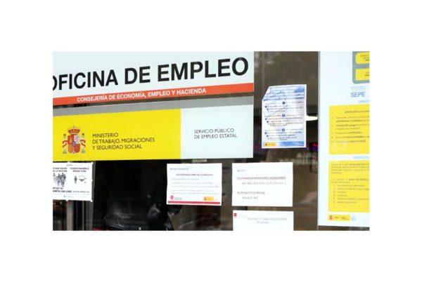 Los nuevos subsidios y 150.000 ERTES agravan el colapso del SEPE