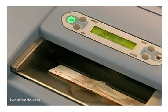 Caja de ahorros. Contador billetes