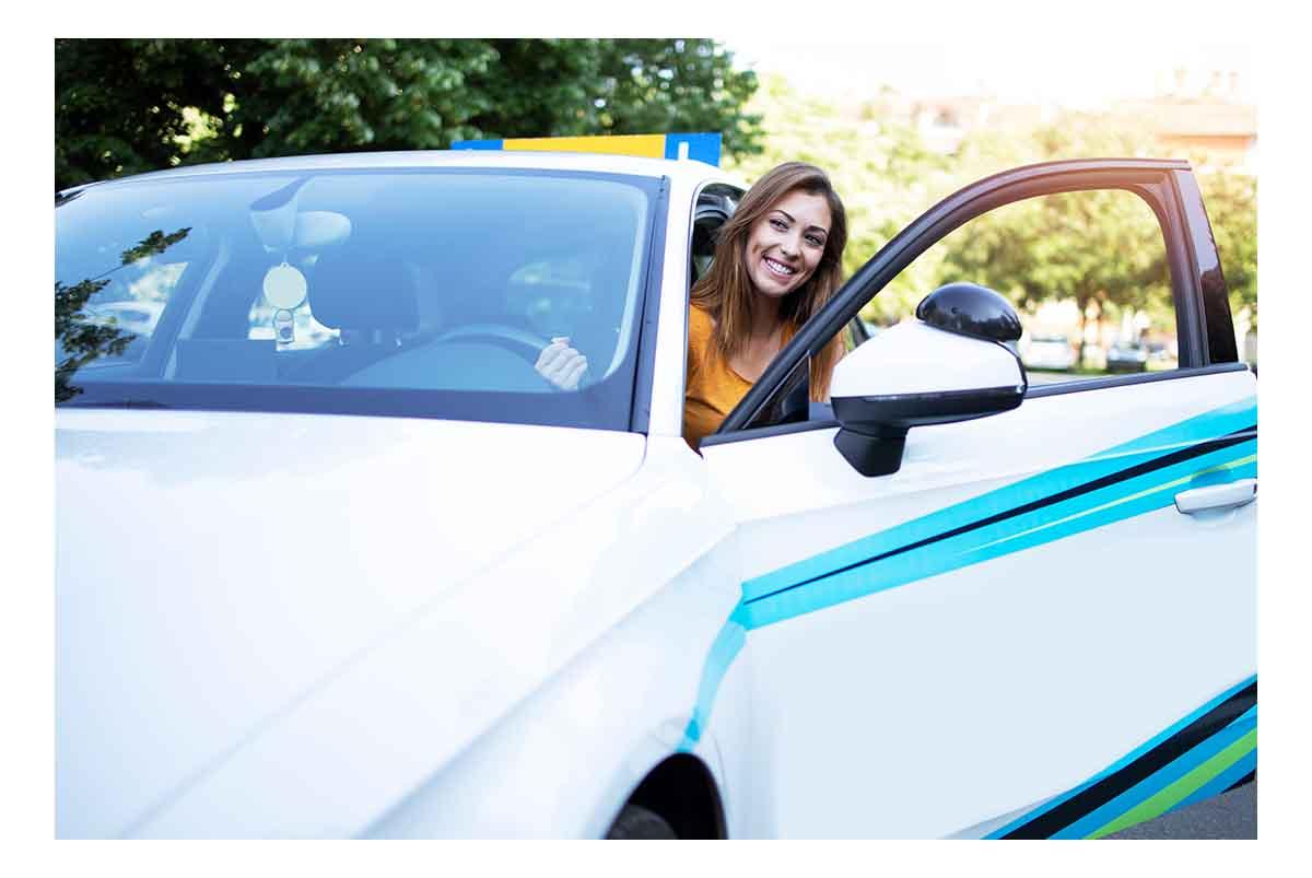 Coste sacarse carnet de conducir en España